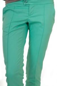 С течение на годините моделите тесни панталони и дънки, още известни като скини дънки, ту излизат от мода, ту са най-популярната тенденция...