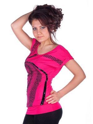 Кои дамски дрехи правят фигурата ни съвършена