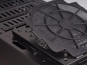 Добавяне на филтри към охлаждащите вентилатори в компютър