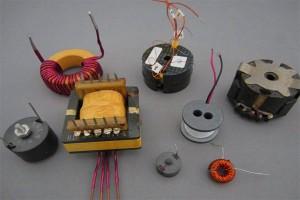Неонов надпис, свързан с трансформатори