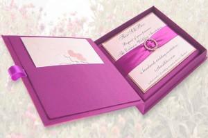 Обърнете внимание на сватбените покани!