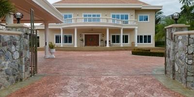 Недвижими имоти във Велико Търново